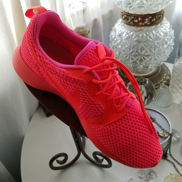 bded7f07cf6d Fire by ~NIKE~ -Roshe Hyperfuse
